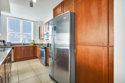 Boynton Beach Condo For Sale: 350 Federal Highway #612