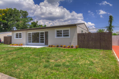 Lake Worth Single Family Home For Sale: 579 Tallulah Road
