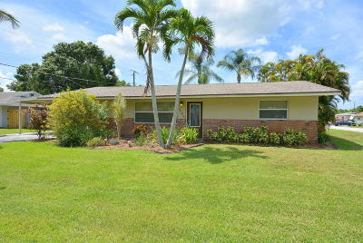 Palm City Single Family Home For Sale: 1748 SW 31st Terrace