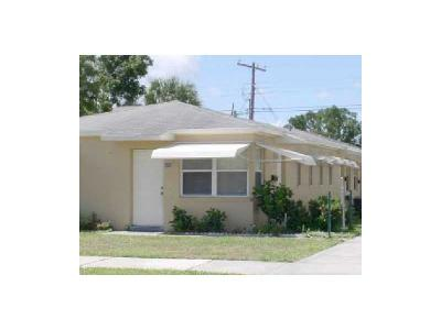 West Palm Beach Multi Family Home For Sale: 426 50th Street #1