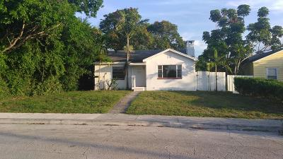 West Palm Beach FL Single Family Home For Sale: $219,000