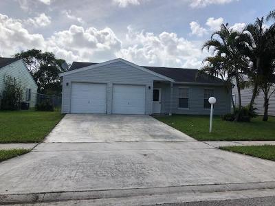 Lake Worth Single Family Home For Sale: 7835 Ridgewood Drive