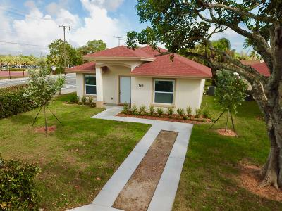 West Palm Beach Single Family Home For Sale: 749 Tallapoosa Street