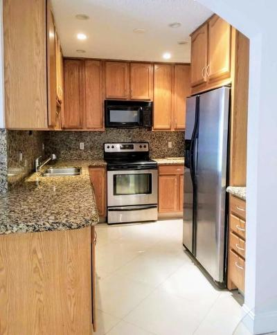 Fort Lauderdale FL Condo For Sale: $161,900