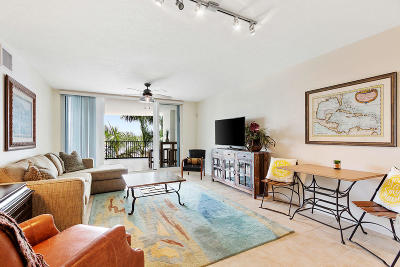 Boynton Beach Condo For Sale: 2700 Federal Highway #305