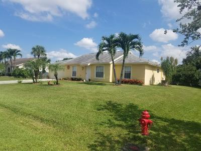 Lake Worth Single Family Home For Sale: 122 W Cypress Road