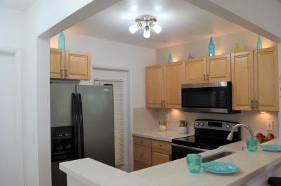 Deerfield Beach Condo For Sale: 420 SE 2 Avenue #B2