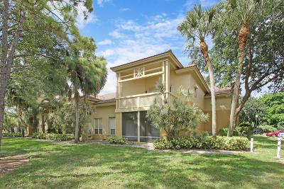 West Palm Beach Condo For Sale: 4767 Via Palm Lakes #203