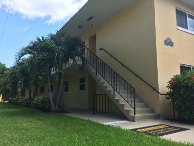 Delray Beach FL Condo For Sale: $198,999