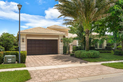 Boynton Beach Single Family Home For Sale: 9175 Bal Bay Point