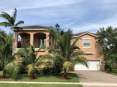 West Palm Beach Single Family Home For Sale: 485 Cresta Circle
