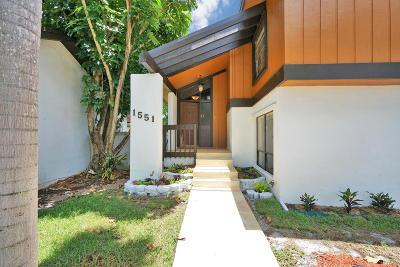 Pembroke Pines Single Family Home For Sale: 1551 E Sandpiper Circle