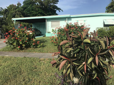 Lake Worth Single Family Home For Sale: 1206 Lake Geneva Drive