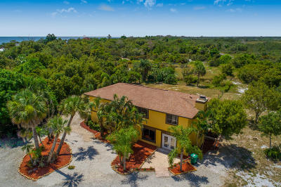Fort Pierce Single Family Home For Sale: 3803 S Indian River Drive