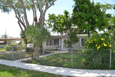 West Palm Beach Single Family Home For Sale: 721 Dogwood Road