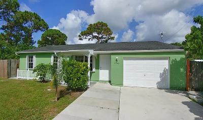 Port Saint Lucie Single Family Home For Sale: 2240 SE Newcastle Terrace