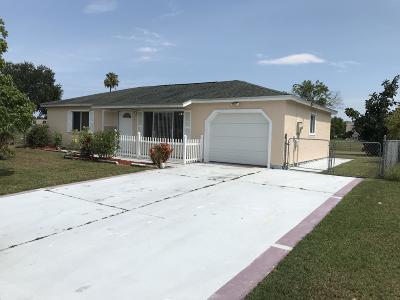 Port Saint Lucie Single Family Home For Sale: 1950 SE West Dunbrooke Circle