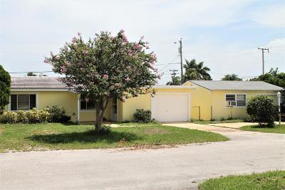 West Palm Beach Multi Family Home For Sale: 2486 Circle Circle