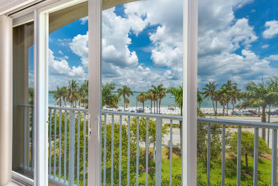 Fort Pierce Condo For Sale: 35 Harbour Isle Drive W #301