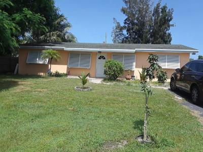 Lake Worth Single Family Home For Sale: 4872 Witch Lane