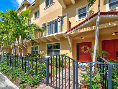 Lake Worth Townhouse For Sale: 218 S Federal Highway #1