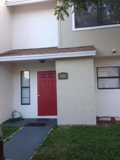 Greenacres Townhouse For Sale: 5405 Bayside Drive #5405