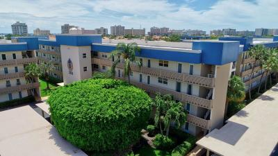 Delray Beach Condo For Sale: 3351 Spanish Trail #409