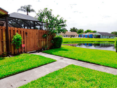 West Palm Beach Single Family Home For Sale: 1191 Summit Place Circle #C