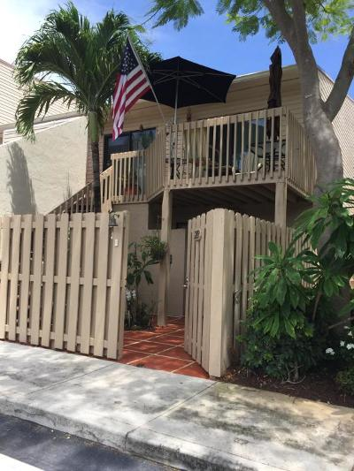 West Palm Beach Condo For Sale: 602 Executive Center Drive #203