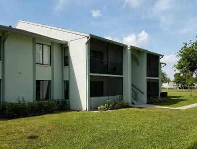 West Palm Beach Condo For Sale: 3744 Savoy Lane #F1