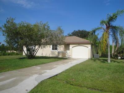 Port Saint Lucie Single Family Home For Sale: 2474 SE Burton Street
