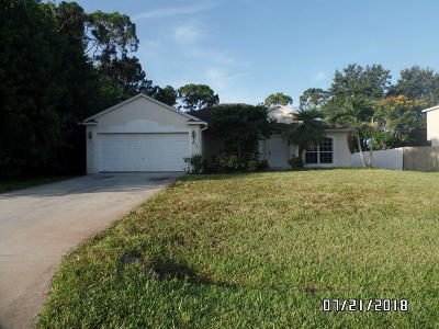 Port Saint Lucie Single Family Home For Sale: 826 SE Sweetbay Avenue