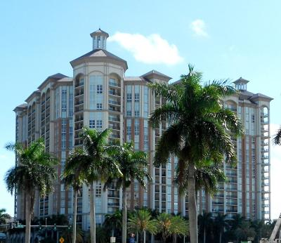 Cityplace South Tower Condo Contingent: 550 Okeechobee Boulevard #421