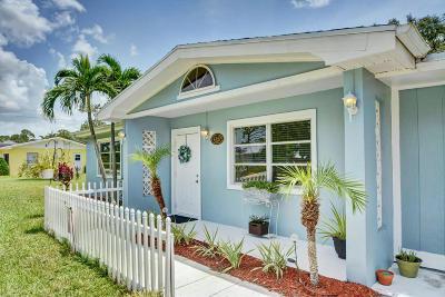Stuart FL Single Family Home For Sale: $275,000