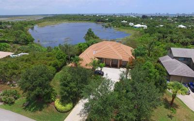 Jensen Beach Single Family Home For Sale: 3801 NE Sugarhill Avenue