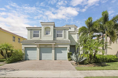 Port Saint Lucie Single Family Home For Sale: 11435 SW Hillcrest Circle