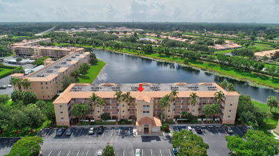 Boynton Beach Condo For Sale: 5842 Crystal Shores Drive #205