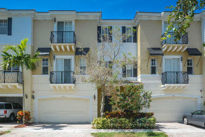 Boca Raton Townhouse For Sale: 673 NW 38th Circle