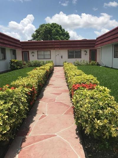 Delray Beach Single Family Home For Sale: 44 Waterford B