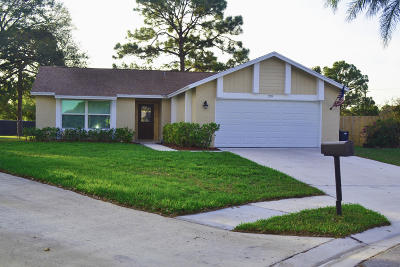 Jupiter Single Family Home For Sale: 120 Greentree Circle