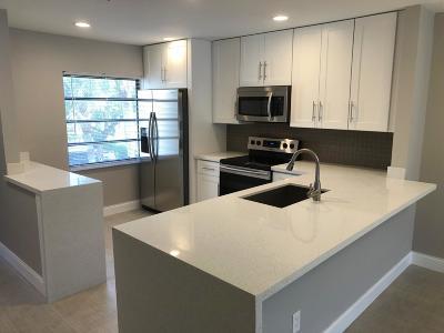 Boca Raton Condo For Sale: 8440 Casa Del Lago #23f