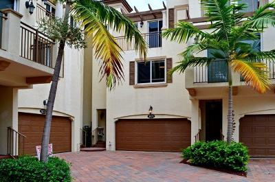 Boynton Beach Townhouse For Sale: 3071 Waterside Circle #63