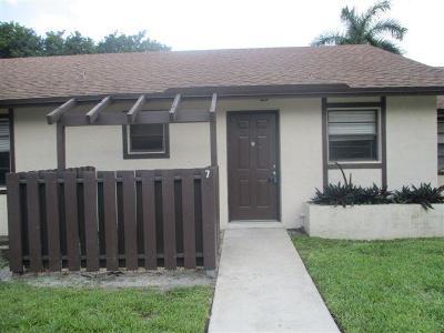 Boynton Beach Single Family Home For Sale: 7 Via De Casas Norte