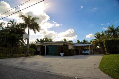 Lake Clarke Shores Single Family Home For Sale: 7301 Venetian Way