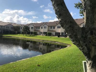 Boca Raton Townhouse For Sale: 9529 Boca River Circle W #9529