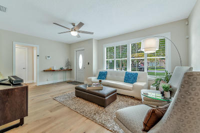 West Palm Beach Single Family Home For Sale: 323 Linda Lane