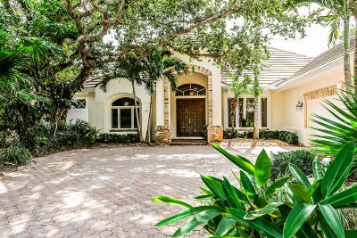 Vero Beach Single Family Home For Sale: 130 White Jewel Court