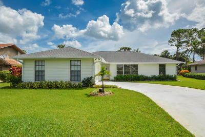 Hobe Sound Single Family Home For Sale: 7895 SE Trenton Avenue SE