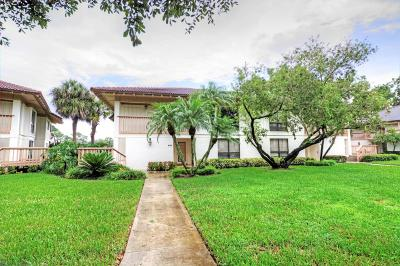 Palm Beach Gardens Condo For Sale: 470 Brackenwood Lane S #470