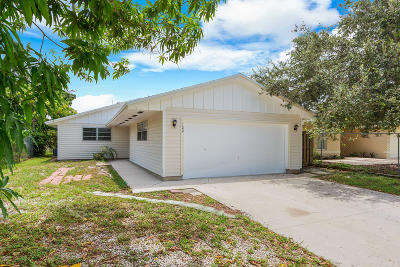Delray Beach Single Family Home For Sale: 122 SE 5th Street